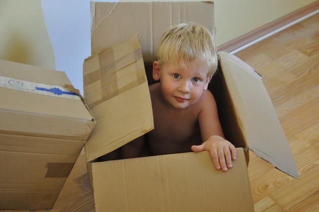 schovka v krabici