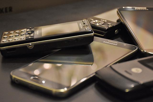 sbírka telefonů
